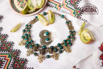 Намисто зелене з хризоколи фото