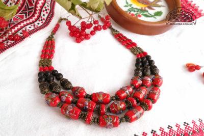 Намисто з муранського скла з коралом червоного кольору і чорного