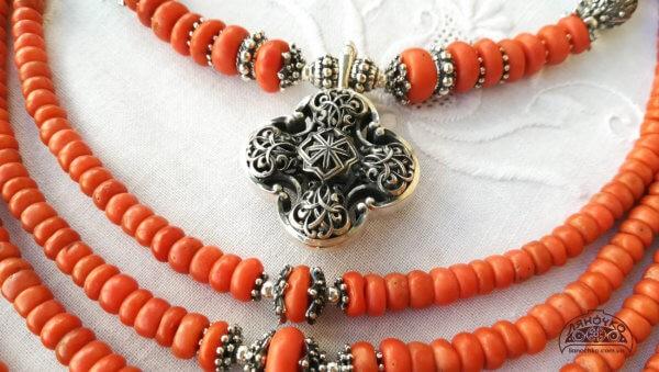 коралове намисто ляночко з хрестом
