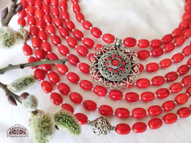 Червоні коралі зблизька Калиновий цвіт