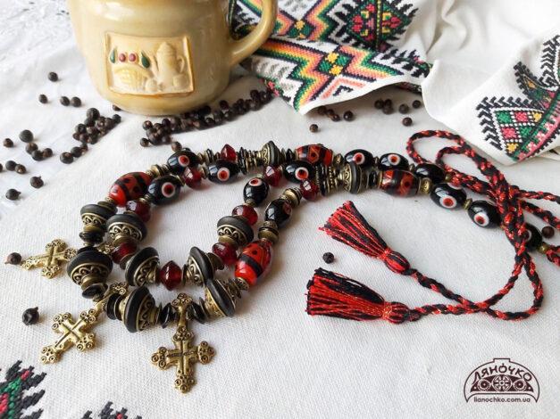 намисто з вічками з хрестами