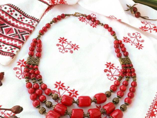 червоні коралі три низки середні шипшина