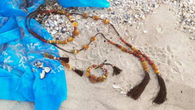 набір прикрас бурштин сердолік китиці на хвилі