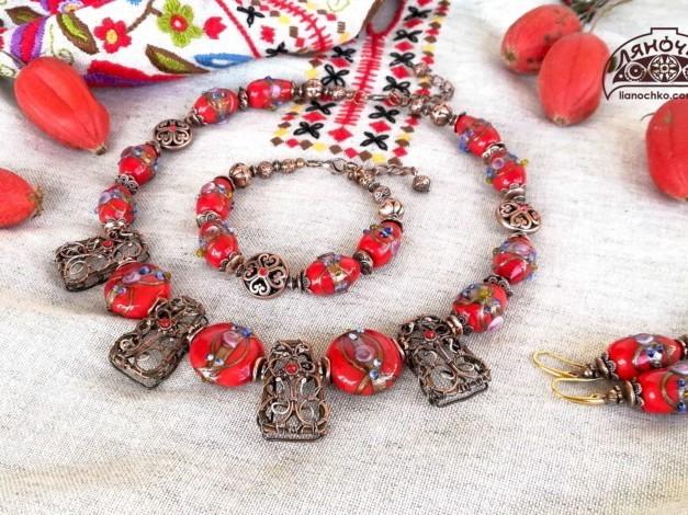 прикраси з червоного венеційського скла рутенія фото